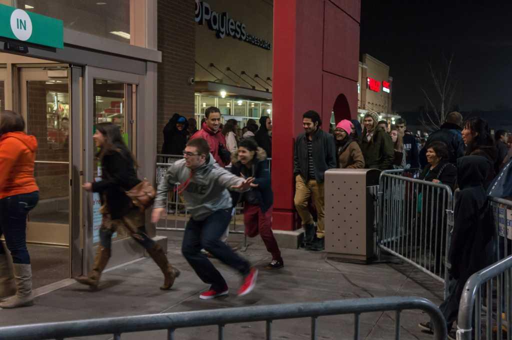 Black Friday shopping line
