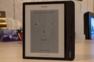 Rakuten Kobo Forma e-reader review: Refined experience, flawed package