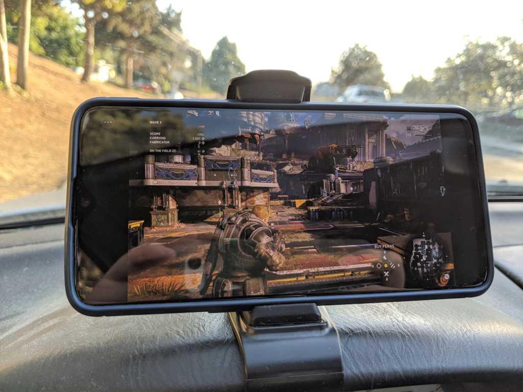 Project xCloud Gears 5 in holster