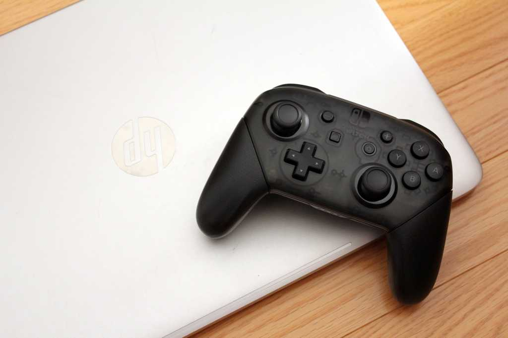 Nintendo Switch Pro controller with a Windows 10 laptop