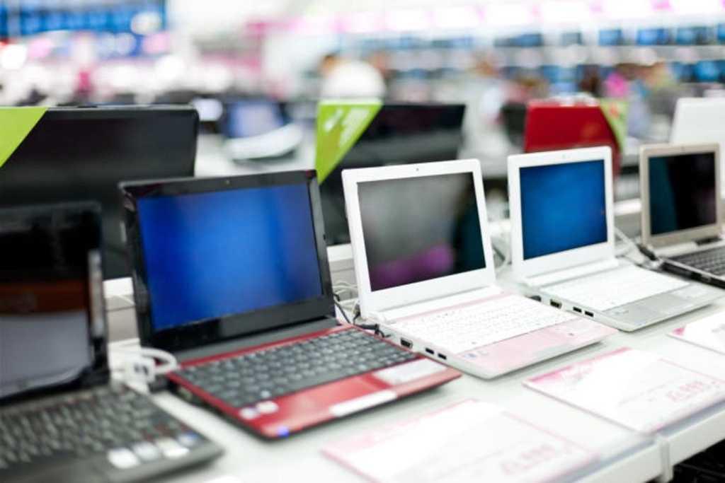 laptop pcs at a store black friday
