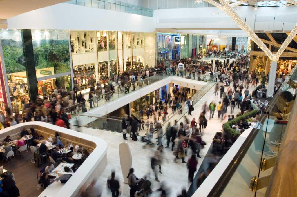 shopping mall crowd black friday