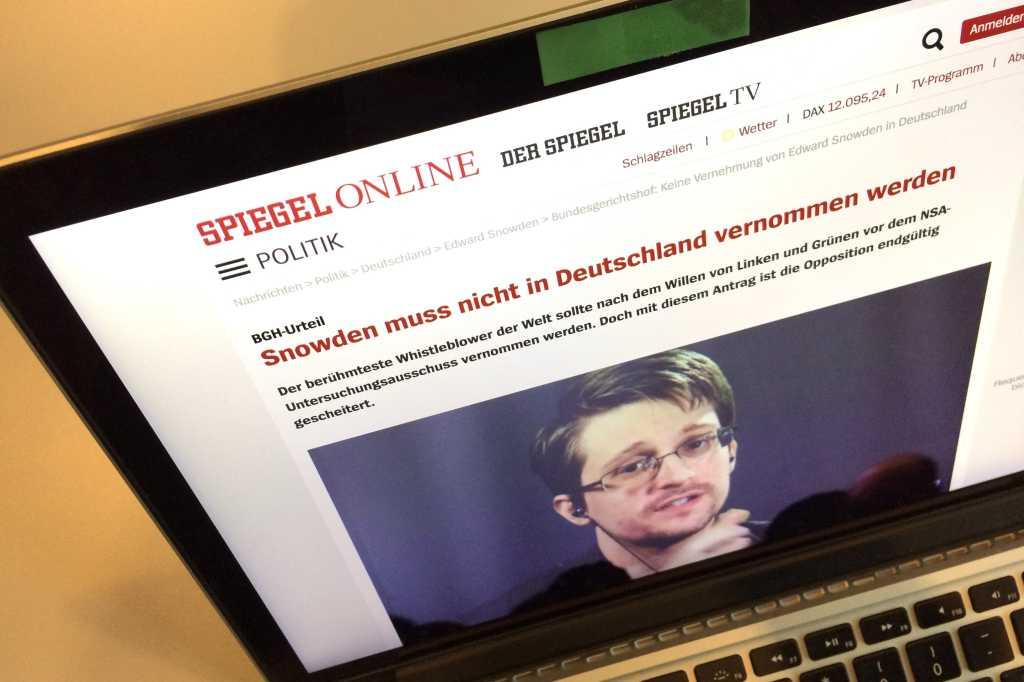 Edward Snowden Spiegel headline