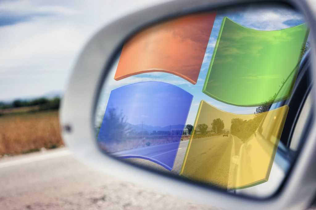 windows 7 logo in the rear view mirror