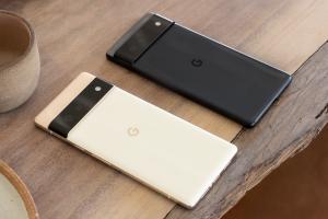 Google's big, bold Pixel 6 takes aim at Apple and Samsung